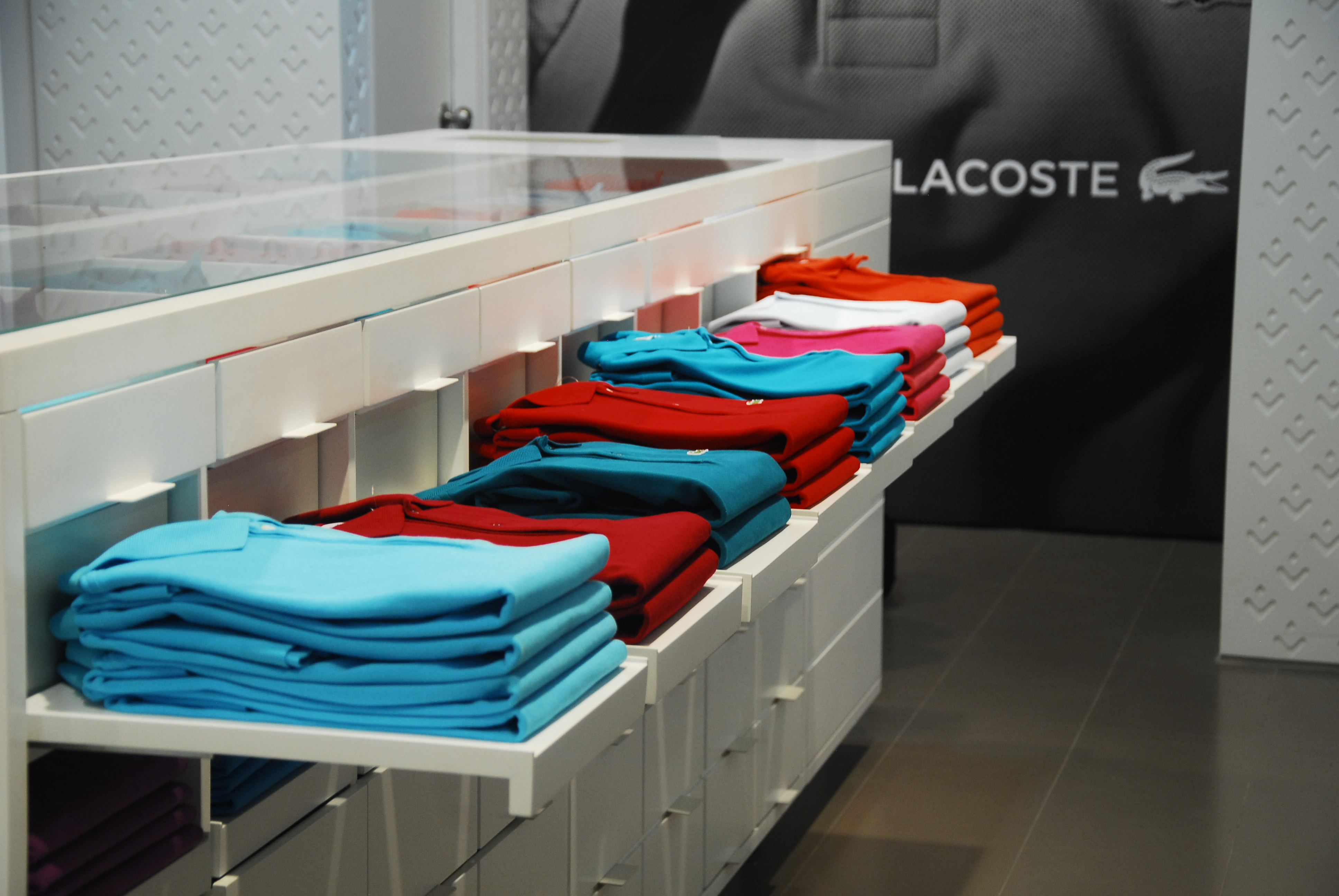 """5b1d7211937e7 LACOSTE launches """"first of its kind"""" Polo Lounge in Mumbai and introduces  an innovative shopping experience with a mono- category concept store."""